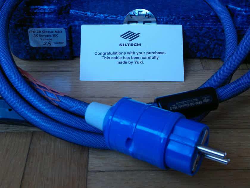 SILTECH SPX-30 CLASSIK MK2   Power Chord 2,5 mt. 15 A Shucko