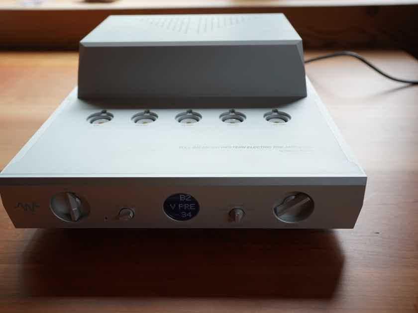 Waversa Systems Incorporated WVPRE MK2 Western Electric Tube based pre-amplifier