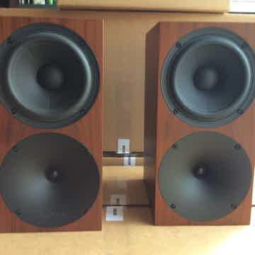 Buchardt Audio S400 Gorgeous Smoked Oak Finish Perfect!