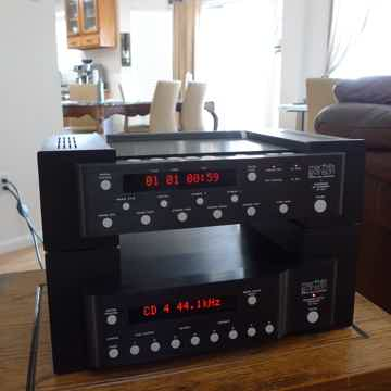 Mark Levinson ML 31.5 CD transport and 30.6 DAC