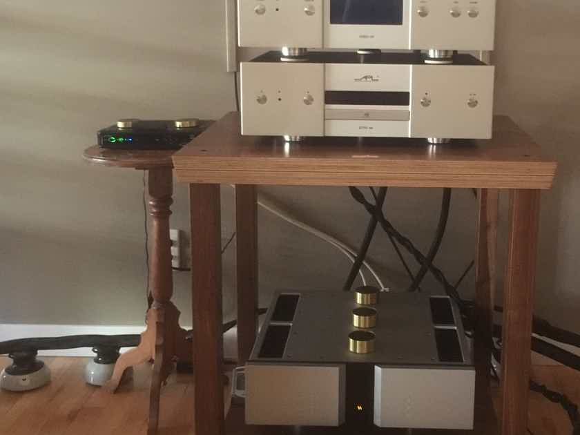 APL HiFi DSD-M Master Reference Pure DSD DAC With APL DTR-M Transport