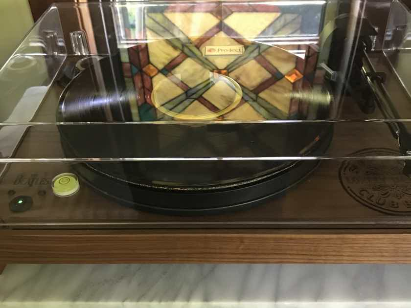 Project 2 Xperience Beatles Turntable