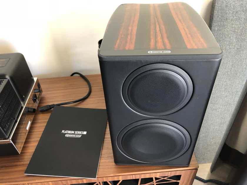 Monitor AudioPlatinum PL100 Bookshelf Speakersused Audio Platinum Speakers II Ebony Demo Pair