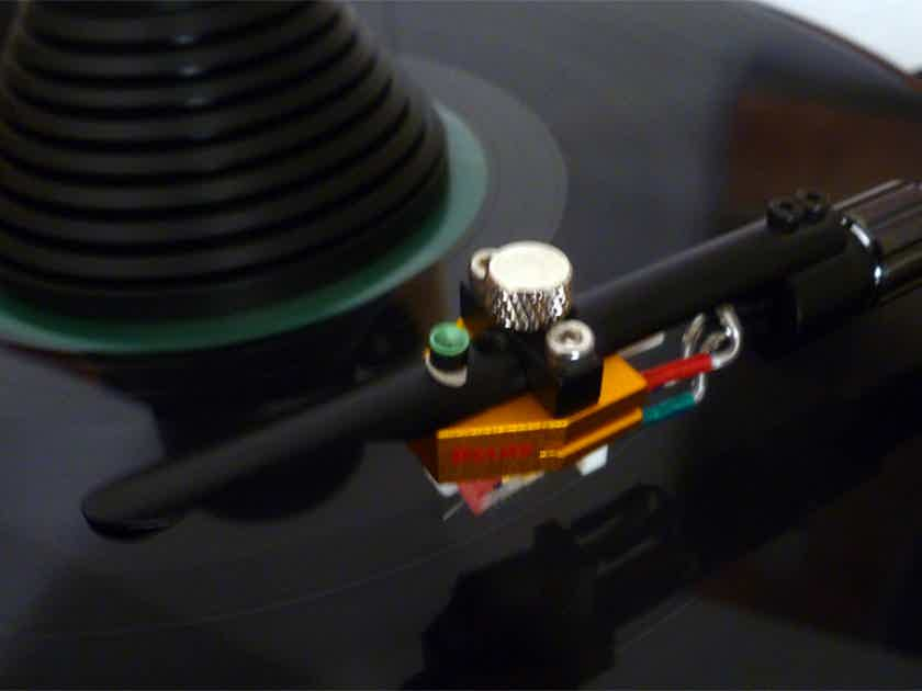 Synergistic Research PHT - Phono Transducer - Green Dream and Black Widow