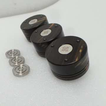 Dalby Audio Dual Ebony Titaniam Feet
