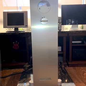 Nagra HD Amplifier
