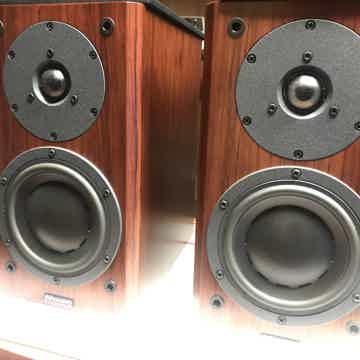 Revel Performa M22 Bookshelf Speakers Matching Stands 1374