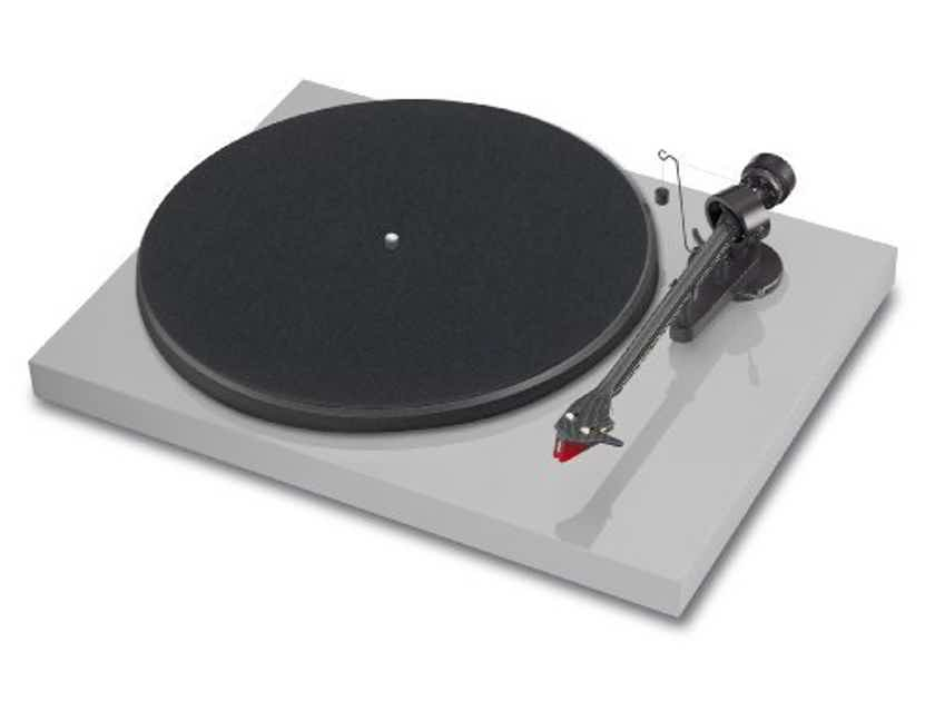 Pro-Ject Debut Carbon DC - Brand New, SEALED!