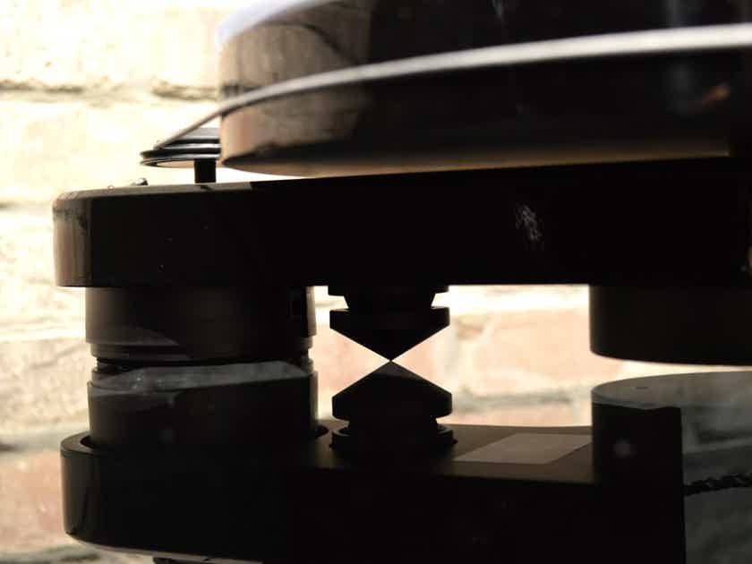 Pro-Ject Audio Systems RPM-3 Carbon Turntable - Piano Black