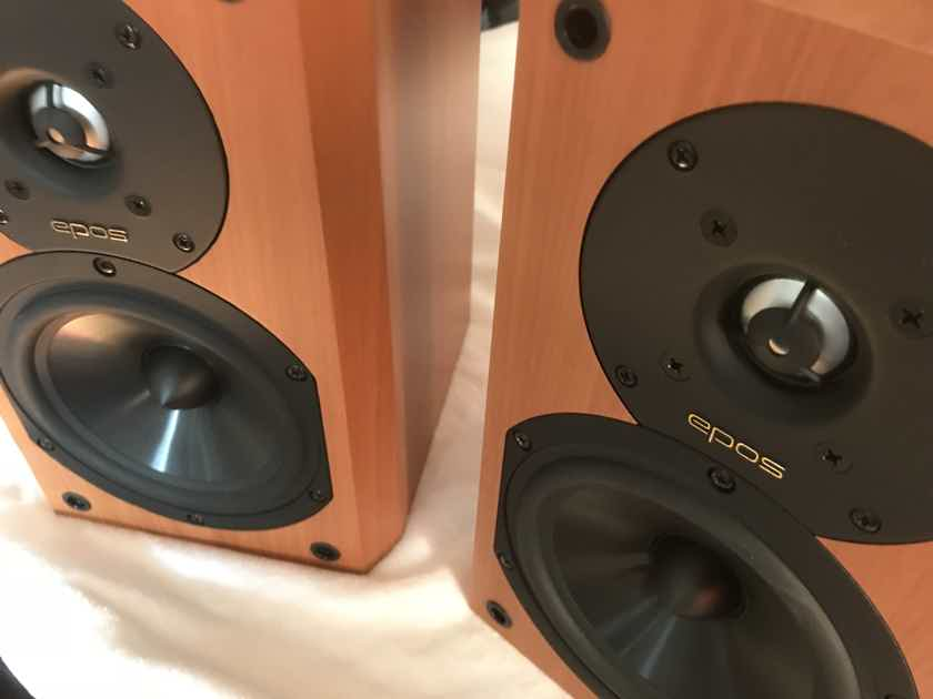 Epos ELS-3 Amazing Bookshelf Speakers