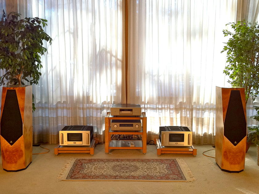 Accuphase/Avalon M-2000/Eidolon Complete High-End Audio System