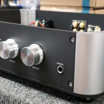 lsa DPH-1 Preamp/DAC Headphone amp with tube/SS outputs