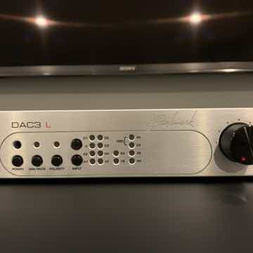 DAC3 L