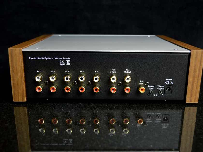 Pro-Ject Audio Systems Pre-Box DS2 - Compact, HI-performance Pre-Amplifier