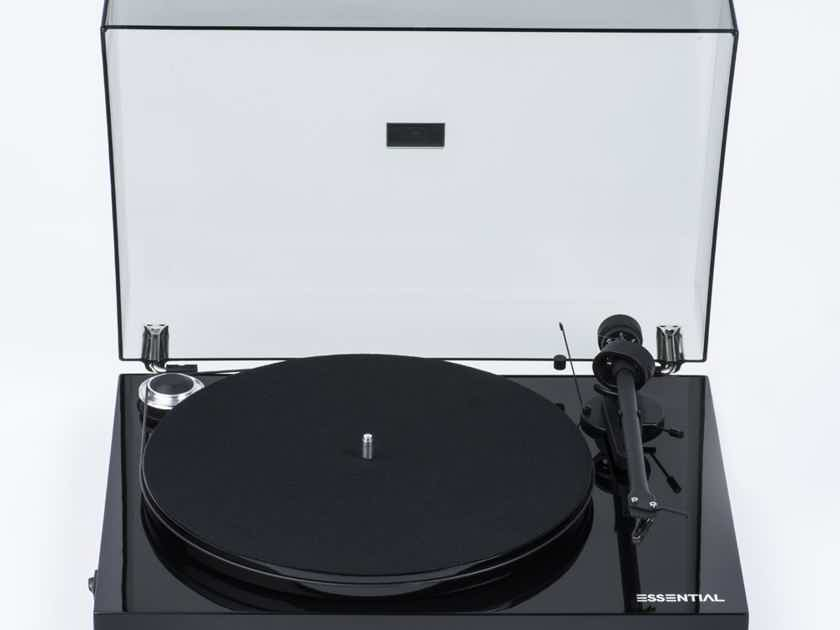 Pro-Ject Audio Systems Essential III - Gloss Black