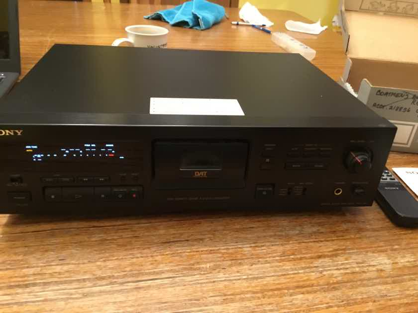 Sony DAT player/recorder DTC-790