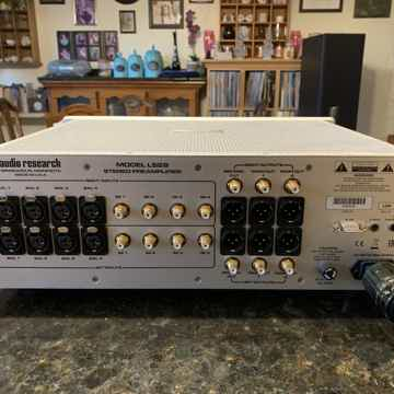 Audio Research LS-28
