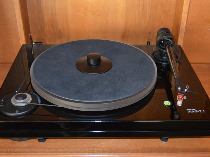 Music Hall MMF-7.1 Turntable and Cartridge