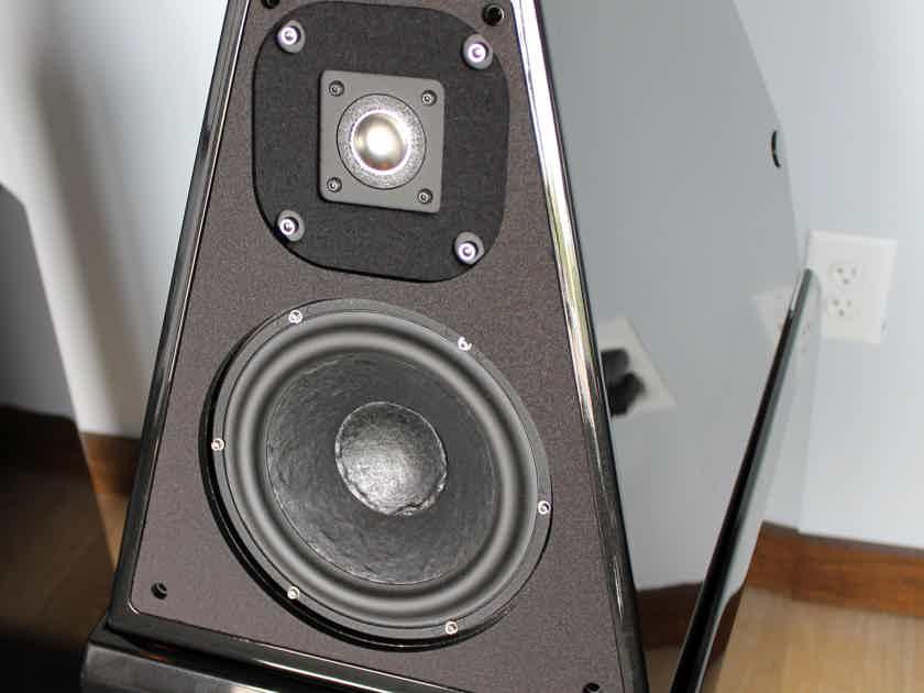 Wilson Audio Watt Puppy 8 Loudspeakers in Obsidian Black Finish